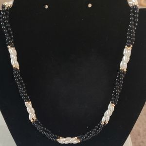 🐚Genuine Pearl Necklace!🐚